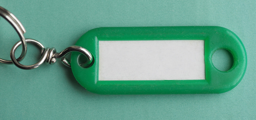 Avaimet kiinni avaimenperässä.